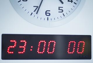 Advantage and Considerations of Analog Clock Systems