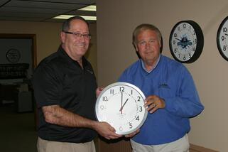 Rep_Urdahl_with_clock